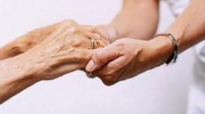 manos_ancianas